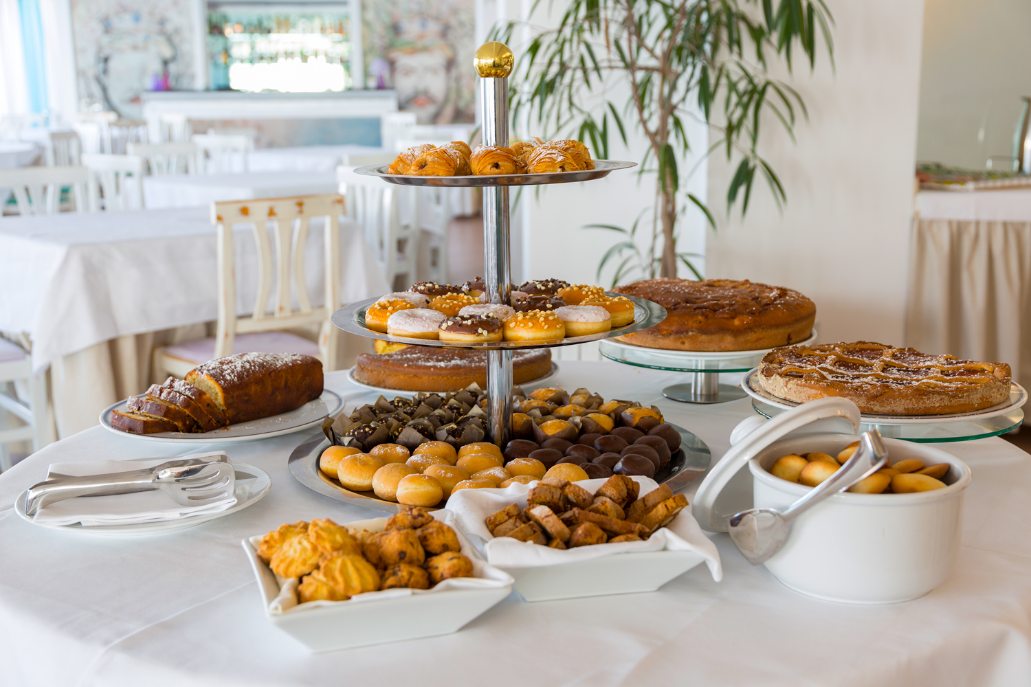 crystal-sea-hotel-marina-agro-taormina-Holiday-Sicily-breakfast-confectionery-buffet-italian-food