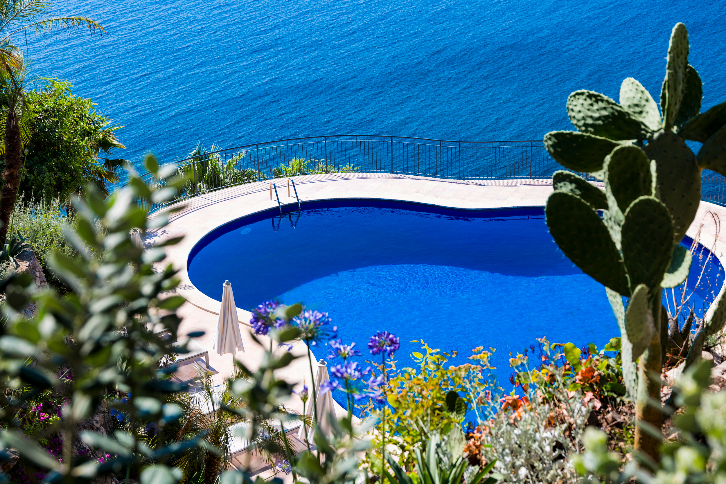 Star-crystal-sea-hotel-marina-agro-taormina-pool-garden-Holiday-Sicily